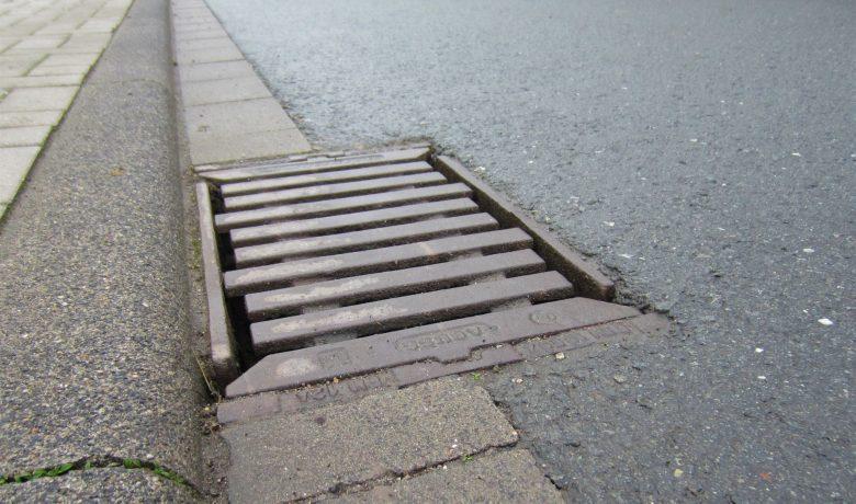 Filtersysteme für Straßenabläufe zur Behandlung von Niederschlagswasser